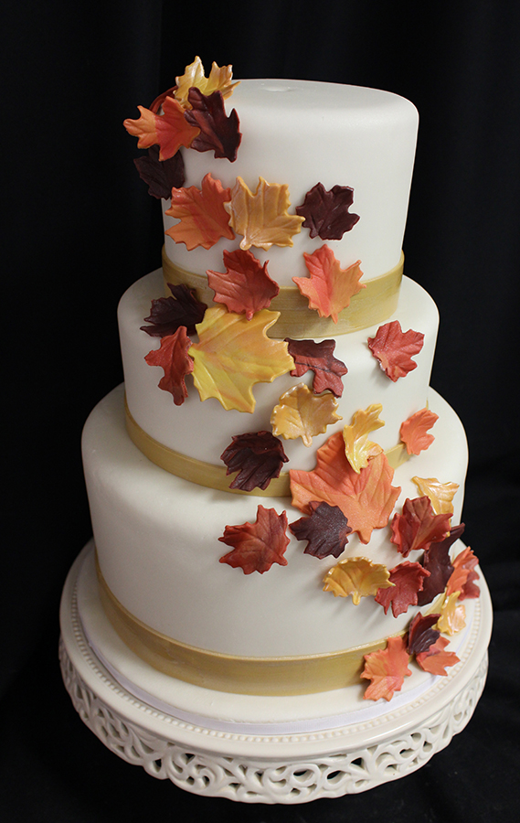 elegant fall wedding cakes we fall weddings oakleafcakes 13960