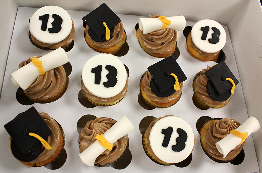 Hats Off To The Grad Blog Oakleafcakes Com