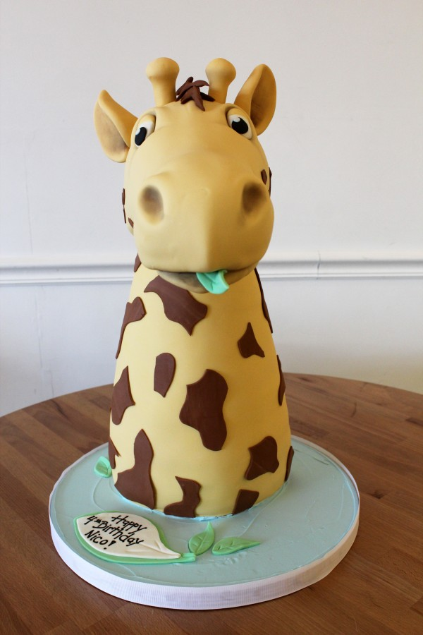 Giraffe Sculpted cake face