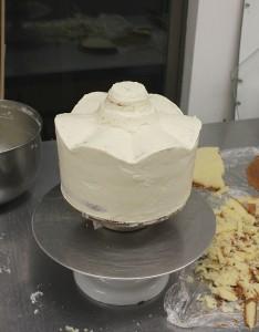 Carousel cake carving