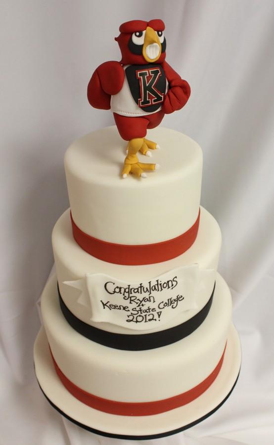 Running-Owl-Graduation-cake-med