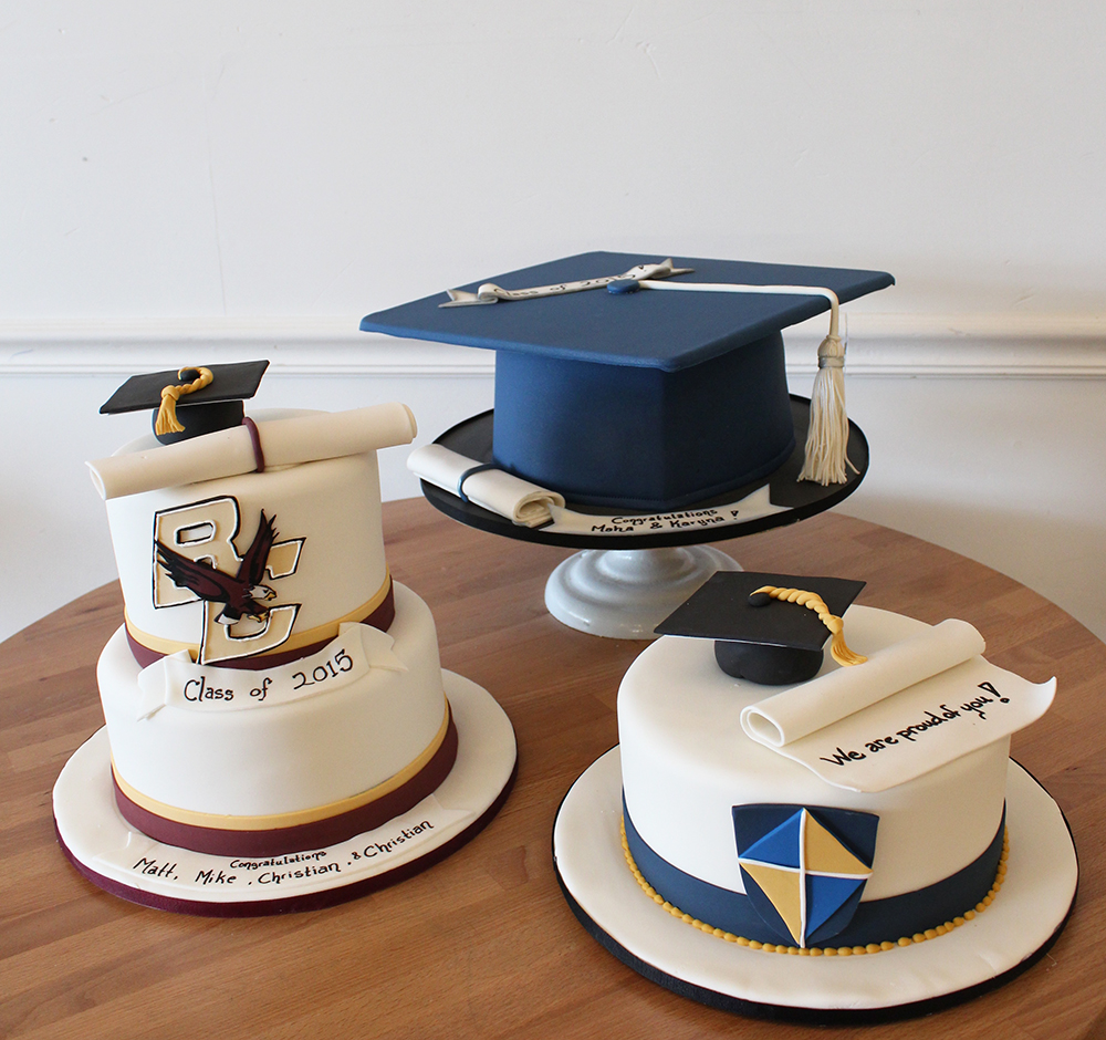 Graduation Caps and scroll diploma cake